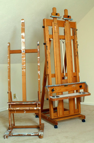 Hframe easels by Mrs Scarborough – via Commons